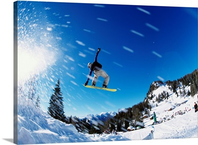 Italy, Dolomites, Snowboarding on Monte Civetta
