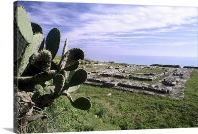 Italy, Ionian sea, Monasterace Marina, Doric temple of Apollo of the ancient Caulonia