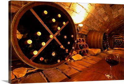 Italy, Marche, Monte Conero, Poggio village, Osteria del Poggio, wine cellar