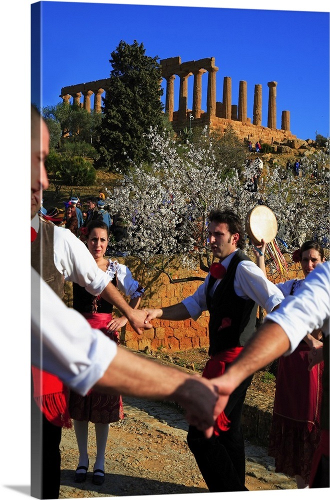 Italy, Sicily, Agrigento, Valley of the Temples, Tarantella, traditional  italian dance