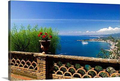 Italy, Sicily, Taormina, Villa Ducale and Naxos beach