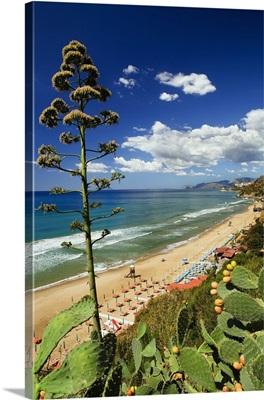 Italy, Sperlonga, Beach next to Sperlonga