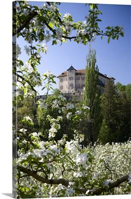 Italy, Trentino-Alto Adige, Dolomites, Val di Non, Vigo di Ton, Thun Castle