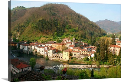 Italy, Tuscany, Bagni di Lucca, Ponte al Serraglio locality