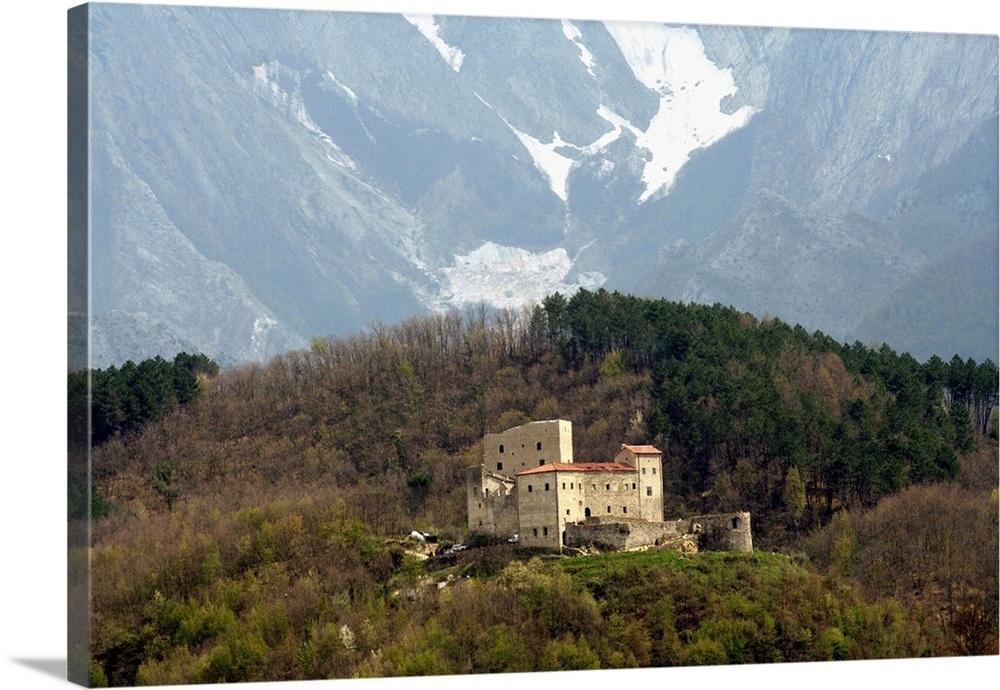 Risultato immagini per castello dell'aquila gragnola