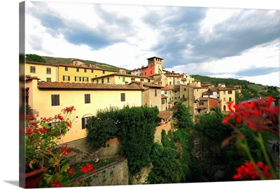 Italy, Tuscany, Loro Ciuffenna town