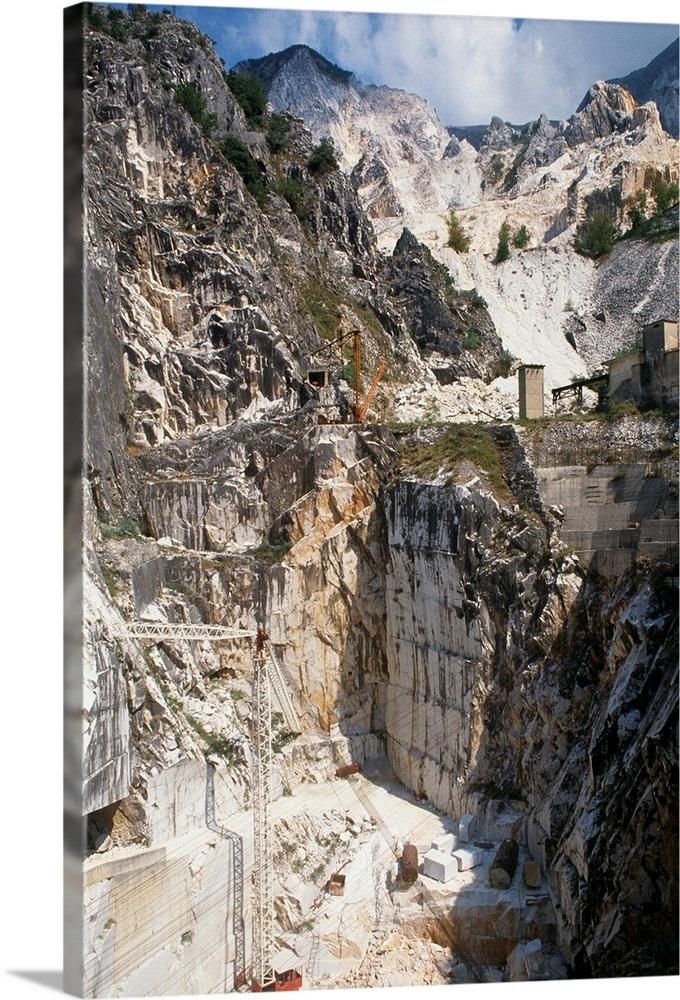 Italy, Tuscany, Massa-Carrara district, Carrara, Marble quarry near Torano