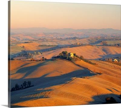 Italy, Tuscany, Orcia Valley, Countryside near Montalcino town