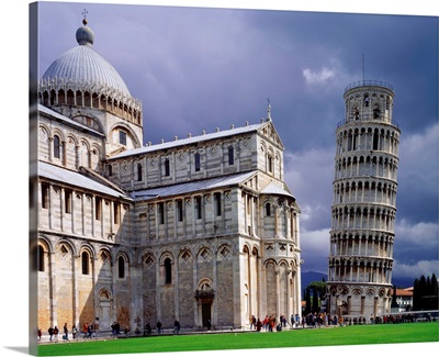 Italy, Tuscany, Pisa, Miracle Square, Leaning Tower, Duomo and campanile