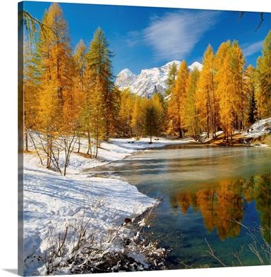 Italy, Veneto, Belluno, Lago Scin, view of the lake towards Tofane mountains