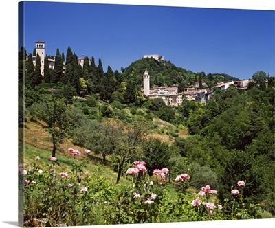 Italy, Veneto, Treviso district, Asolo, Rocca and town