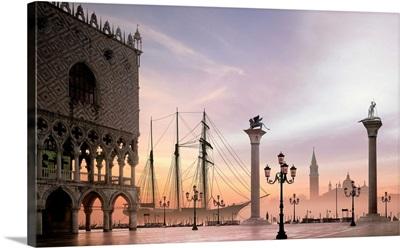 Italy, Venice, Piazzetta, Palazzo Ducale and San Giorgio