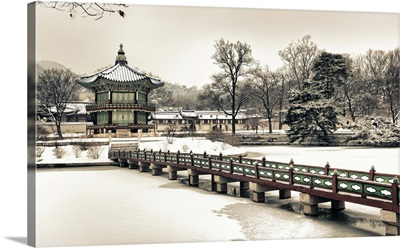 Korea, South Korea, Seoul, Gyeongbokgung Imperial Palace, Hyangwonjeong Pavilion