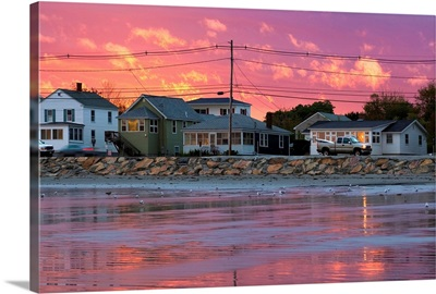 Maine, Cape Neddick, Houses at sunset along the Long Sands Beach