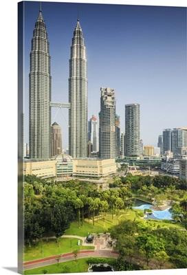 Malaysia, Kuala Lumpur, Petronas Towers and KLCC Kuala Lumpur City Centre