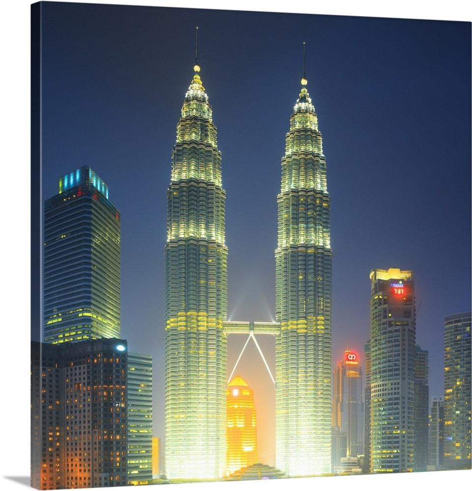Malaysia Kuala Lumpur Petronas Towers And Klcc Kuala Lumpur City Centre At Night
