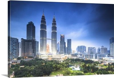 Malaysia, Kuala Lumpur, Petronas Towers, Petronas Towers by night