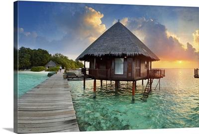 Maldives, Velidhu, Ari Atoll at sunset