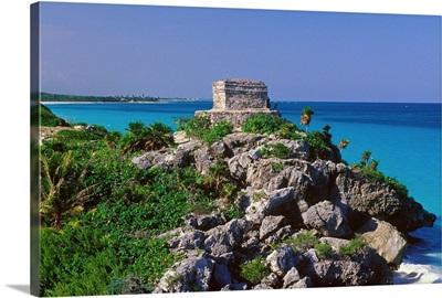 Mexico, Central America, Yucatan Peninsula, Mayan archeological site, Tulum old ruins