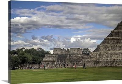 Mexico, Yucatan, Chichen Itza, Visitors at Temple of The Warriors
