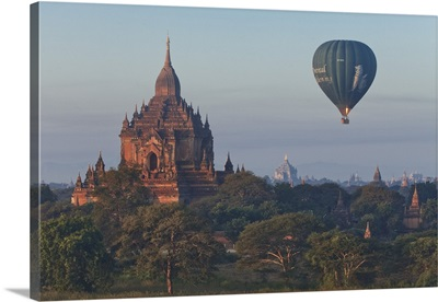 Myanmar, Hot air balloon over the Buddhist temples in the plain of Bagan