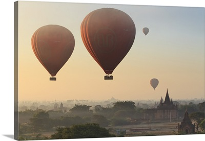 Myanmar, Hot air balloons over the Buddhist temples in the plain of Bagan