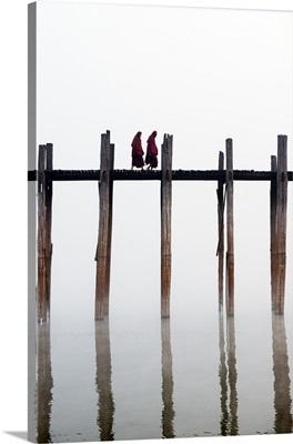 Myanmar, Mandalay, Amarapura, Monks crossing the U Bein bridge