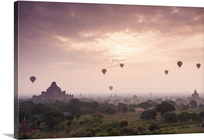 Myanmar, Mandalay, Bagan, Hot air balloons in the early morning mist