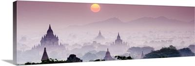 Myanmar, Mandalay, Bagan, Sunrise over the ruins of Bagan