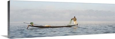 Myanmar, Shan, Nyaungshwe, Local fisherman on Inle Lake