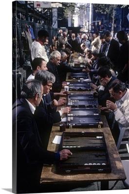 New York City, Men playing backgammon