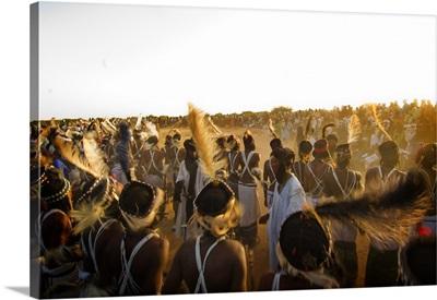 Niger, young Bororo men dancing during Gerewol, traditional meeting for Bororo tribe