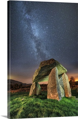 Northern Ireland, Ballykeel Dolmen at night with the milky way