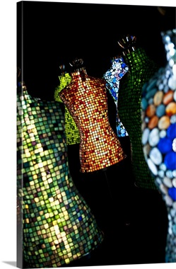 Poland, Warsaw, Glass sculpture in Docum Art bar & gallery, Koneser vodka factory