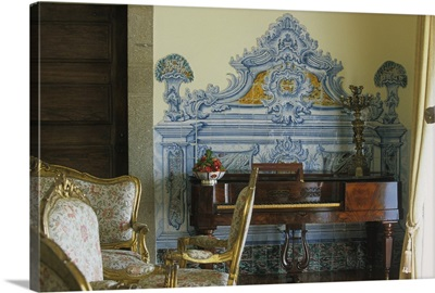 Portugal, Douro, Mesao Frio, Pousada Solar da Rede, detail of the reading room