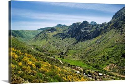 Portugal, Guarda, Beira Alta, Serra de Estrela mountain from the Vale de Zezere