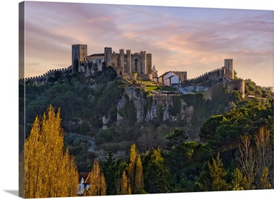 Portugal, Leiria, Estremadura, obidos, Castle and Pousada at dusk, Costa da Prata