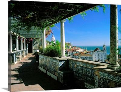 Portugal, Lisbon, Alfama, Miradouro de Santa Luzia