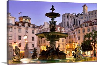 Portugal, Lisbon, Baixa, Rossio, Praca Dom Pedro IV, Baroque fountain