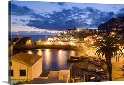 Portugal, Madeira, Camara de Lobos, Harbour at sunset