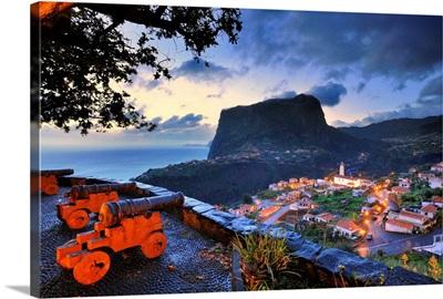 Portugal, Madeira, Faial fortress towards Penha d'Aguia
