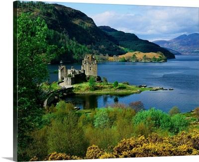 Scotland, Highlands, Eilean Donan Castle