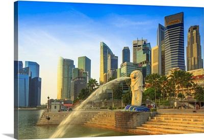 Singapore City, Merlion fountain at dawn