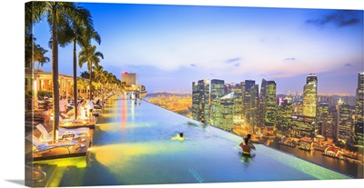 Singapore, Infinity pool on the 57th floor of Marina Bay Sands Hotel