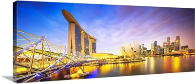 Singapore, Marina Bay Sands Hotel and Science Museum at night
