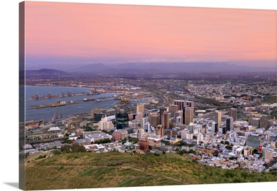 South Africa, Western Cape, Cape Town, Cityscape at dusk
