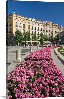 Spain, Comunidad de Madrid, Plaza de Oriente, Los Jardines de la Plaza de Oriente