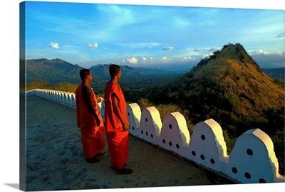 Sri Lanka, Dambulla, Buddhist monks