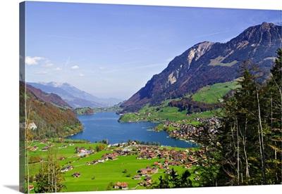 Switzerland, Obwalden, Lungern, Lungerersee