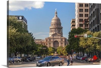Texas, Austin, looking up North Congress Avenue toward Texas State Capital